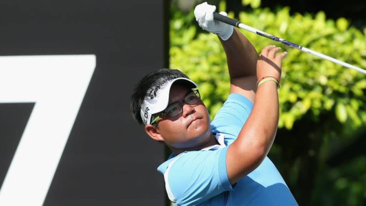 Der Thailänder Panuphol Pittayarat geht als Führender in Finalwochenende der The Championship in Singapur.