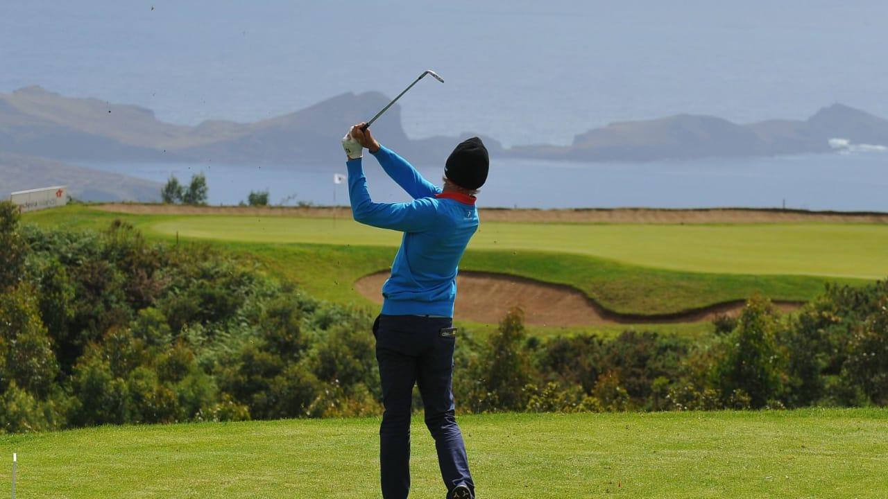 Spektakuläre Gebirgsplätze bieten dem Golfer auf Madeira ein faszinierendes Panorama.