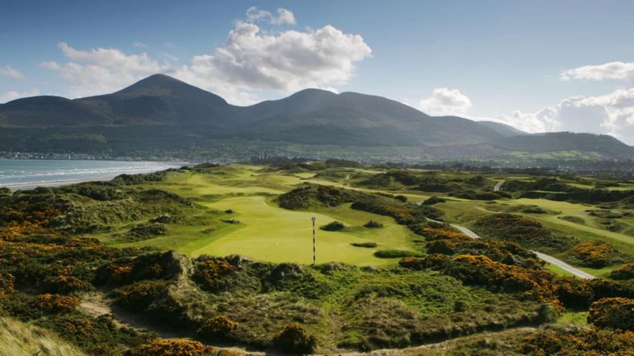 Royal County Down bei Newcastle, Irland; Loch 3. (Foto: Getty)
