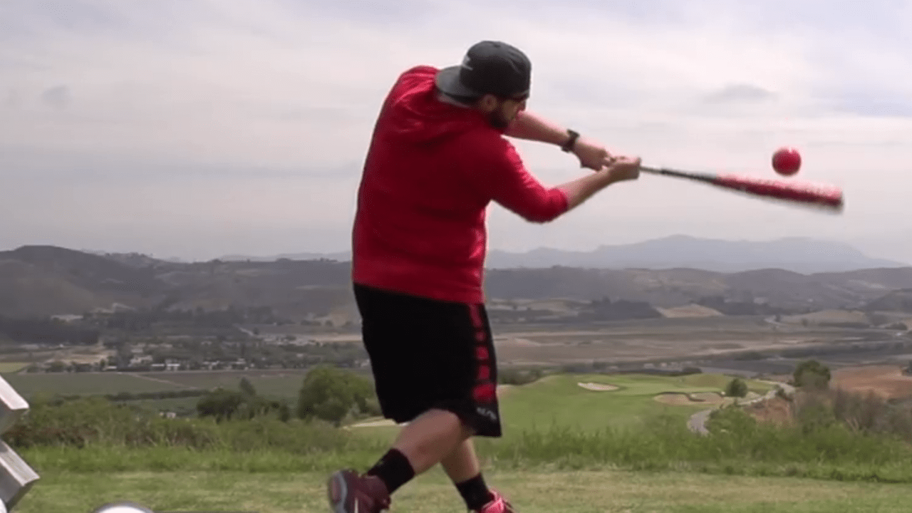 Golfspielen einmal anders - neue Schläger und Bälle.