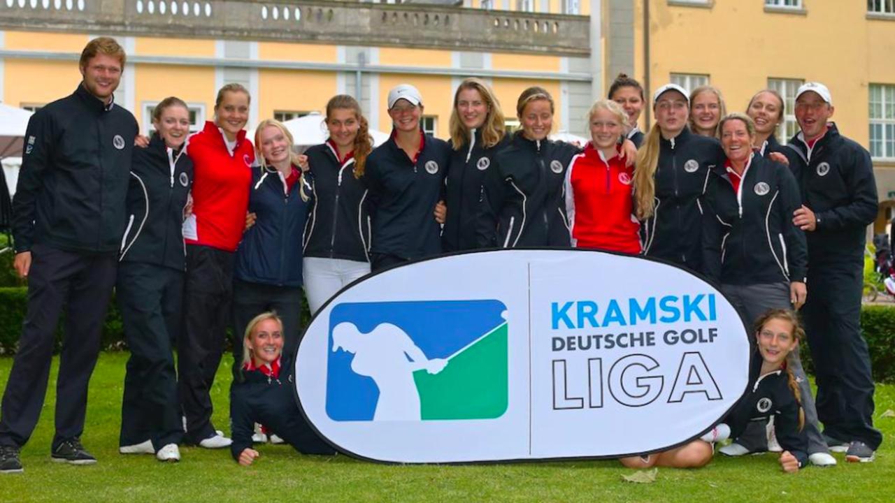 Die Damen aus Hamburg freuen sich über ihren Tagessieg. Es bleibt spannend, wer sich neben den Damen aus Hubbelrath für das Final-Four qualifizieren wird. (Foto: DGV/Tiess Schult)