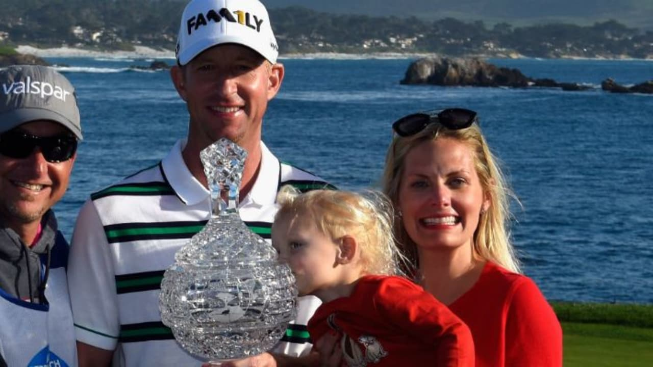 Vaughn Taylor freute sich mit Kind und Kegel über seinen ersten PGA-Tour-Sieg nach über zehn Jahren. (Foto: Getty)