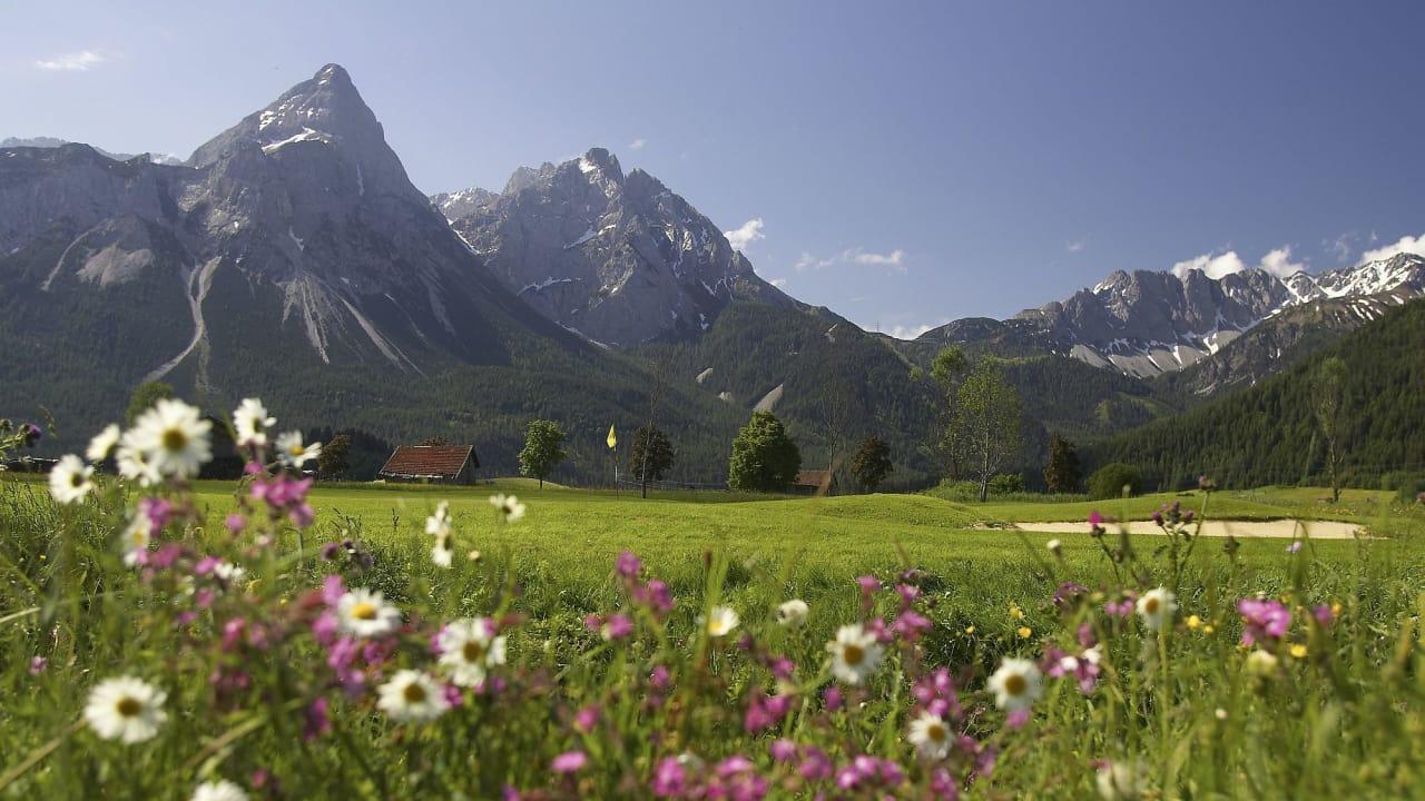 Golf Alpin bedeutet Golfspielen auf saftigen Fairways, hervorragend gepflegten Grüns und paradiesischen Naturlandschaften. (Foto: Paul Severn)