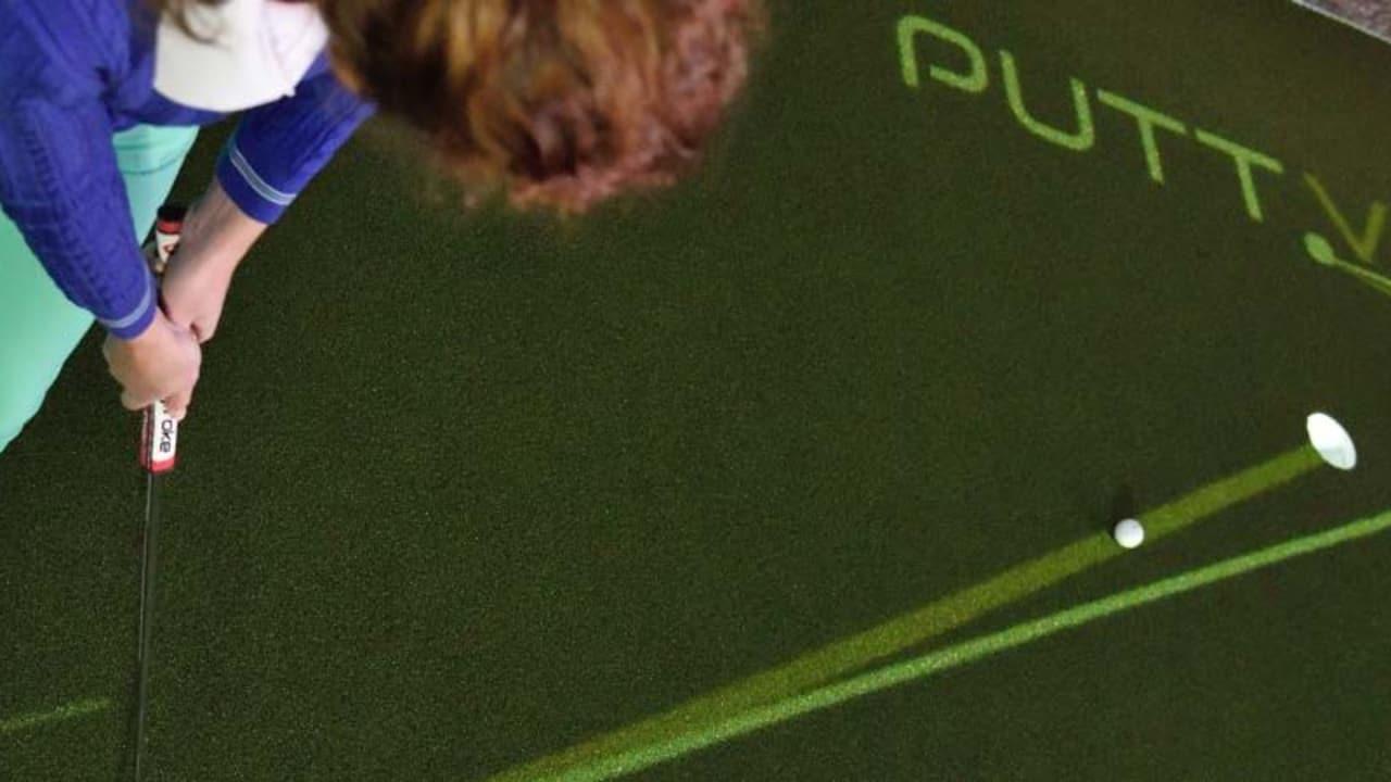 PuttView berechnet vom Break abhängige ideale Puttline und projeziert den Verlauf via Beamer auf das Putting-Grün.