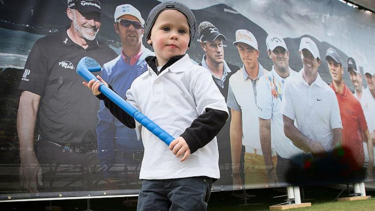 Sevie Trowlen mit seinen Vorbildern im Rücken. (Foto: Facebook/Sevie Trowlen Golfer)