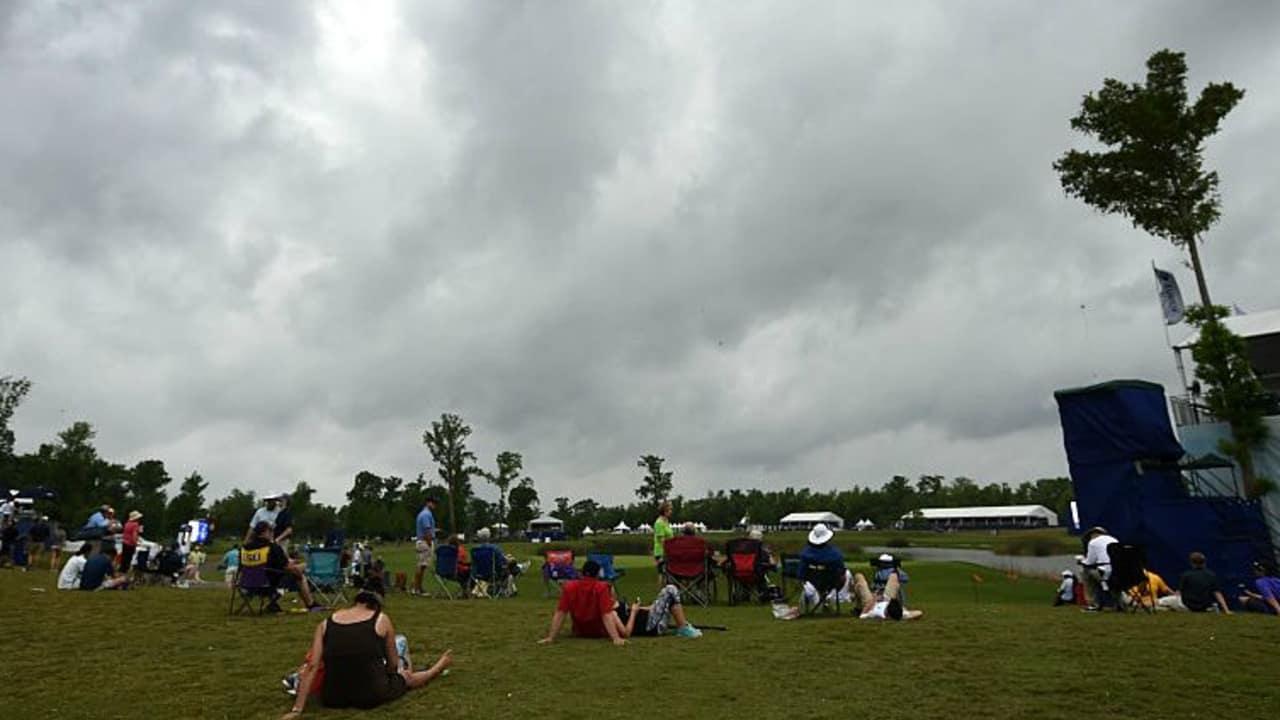 Dicke Regenwolken machten die Zurich Classic zu einem Geduldsspiel für Golfer und Zuschauer. (Foto: Getty)