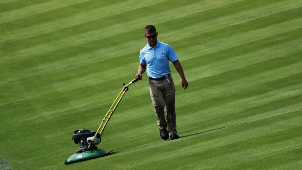 Rasen mähen vor der US Open. (Foto: Getty)