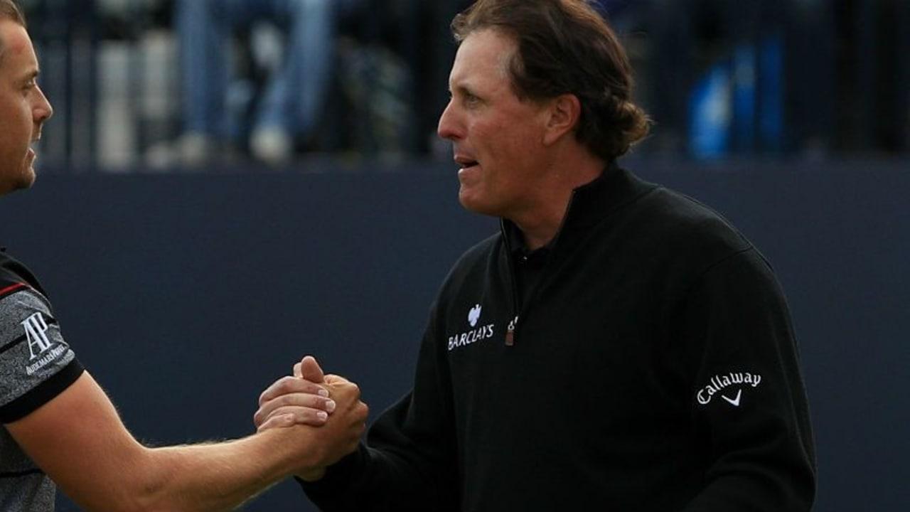 Henrik Stenson (links) und Phil Mickelson lieferten sich auf der Finalrunde der Open Championship ein episches Duell. (Foto: Getty)
