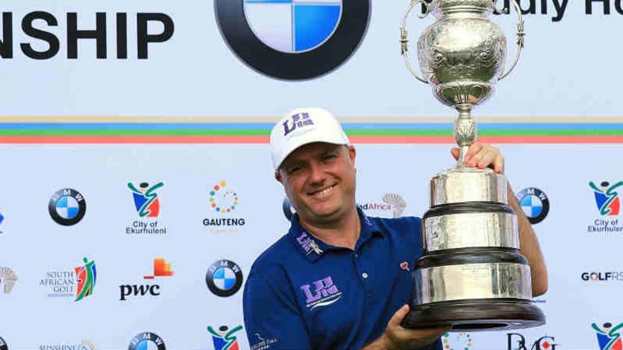 Nach 10 Jahren darf Graeme Storm bei der BMW SA Open endlich wieder eine Trophäe in der Hand halten. (Foto: Getty)
