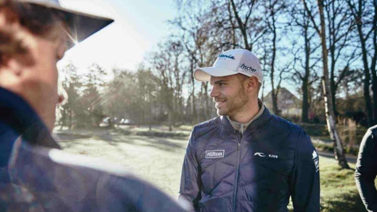 Golf Post (li.) hat sich mit dem European-Tour-Profi und Kjus Markenbotschafter Bernd Ritthammer im GC Föhr auf eine 9-Loch-Runde getroffen. (Foto: Mike Meyer für KJUS)
