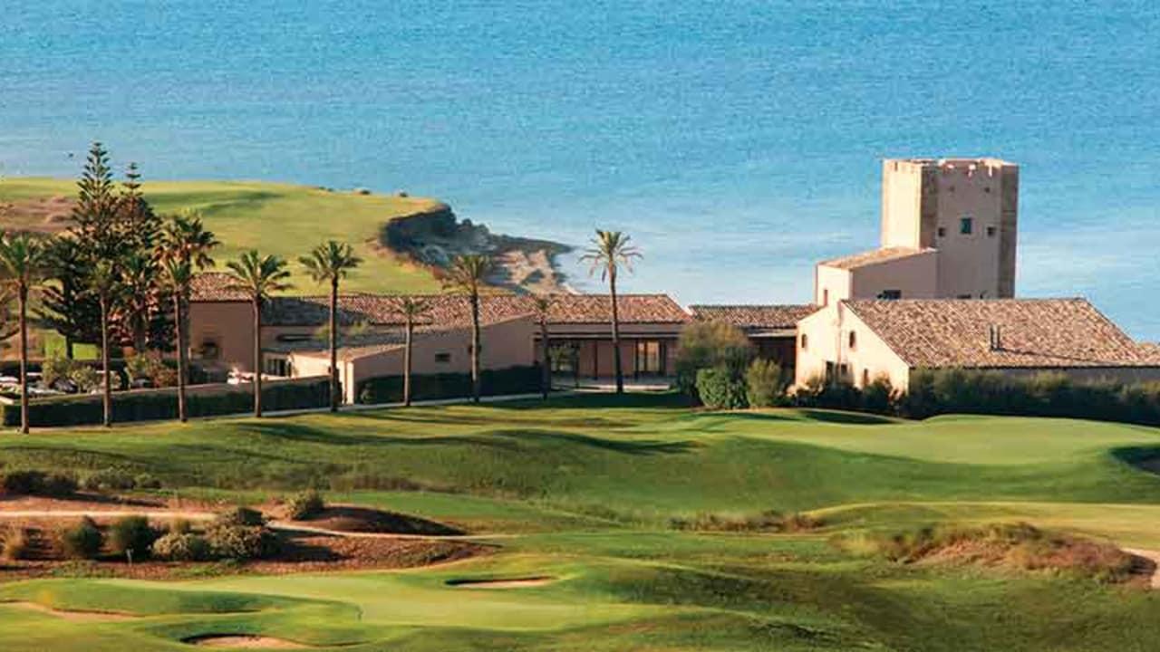 Das Clubhaus des Golfplatzes im Verdura Resort auf Sizilien. (Foto: The Azalea Group)