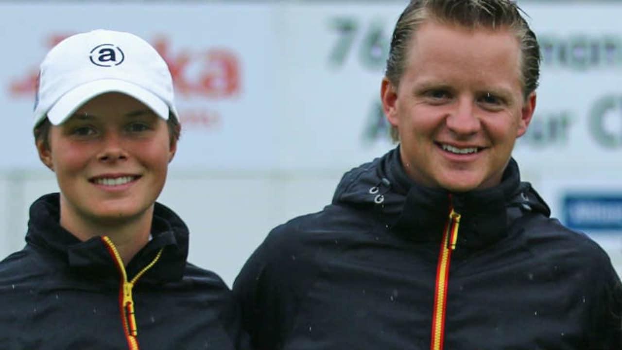 Mädchen-Bundestrainer und PJSC-Vize-Kapitän Sebastian Rühl (r.) mit seiner Spielerin Esther Henseleit (Foto: DGV/stebl)