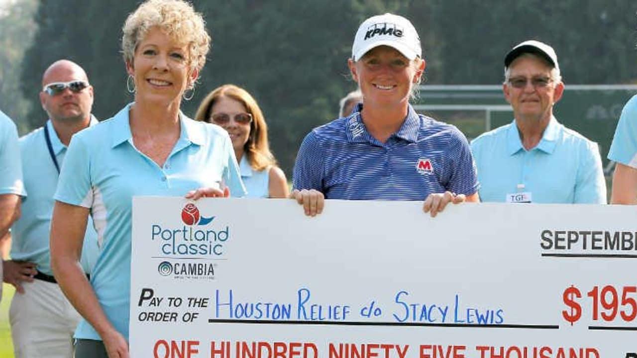 Stacy Lewis spendet die Siegerbörse, wie angekündigt und versprochen, gleich nach ihrem Sieg an die Fluthilfe in Houston. (Foto: Getty)