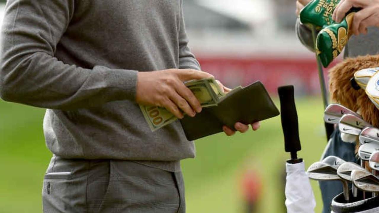 Das Geld auf der Runde den Besitzer wechselt ist bei PGA-Tour-Events trotz Wettverbots nicht unüblich. (Foto: Getty)