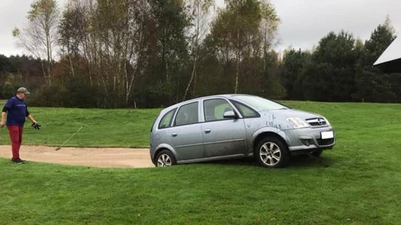 Navi leitet Auto auf Golfplatz