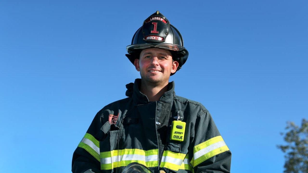 Matt Parziale - der Feuerwehrmann, der beim Masters in Augusta mitspielt. (Foto: Twitter.com / Landmarkgolf)