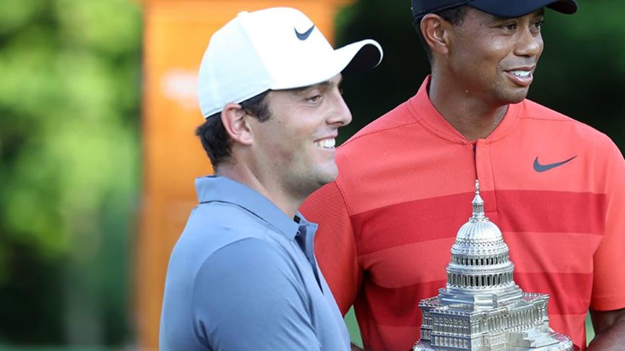 Turnierveranstalter Tiger Woods mit Turniersieger Francesco Molinari, der seinen ersten Titel auf der PGA Tour gewinnt. (Foto: Getty)
