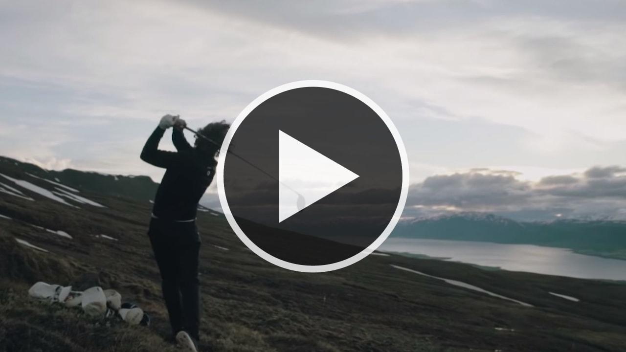 Erik Anders Lang golft mit Adventures in Golf in Island - um ein Uhr nachts. (Foto: Screenshot: Youtube.com/Skratch)