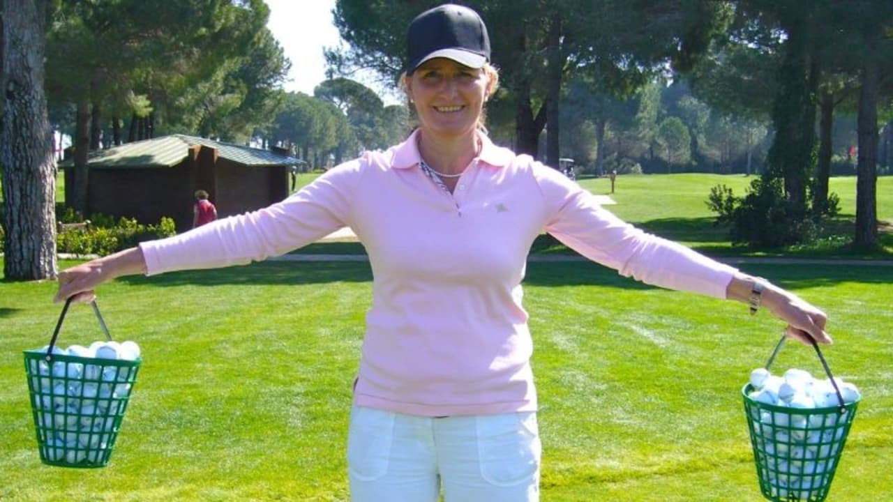 Golf Post Trainingsexpertin Stefanie Eckrodt erklärt, wie man zum gedankenfreien Golfspiel gelangt. (Foto: Stefanie Eckrodt)