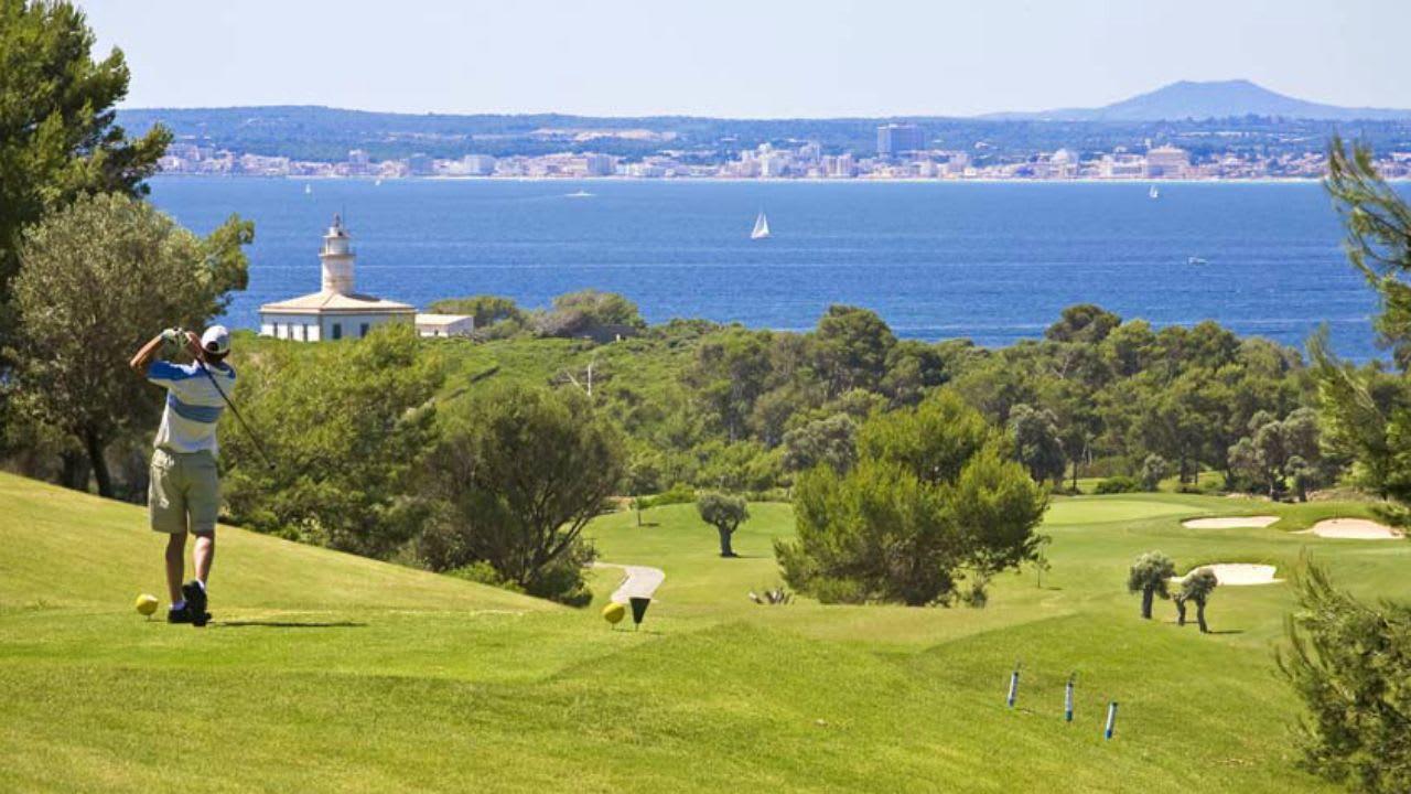 Der Club de Golf Alcanada, einer der besten Golfclubs Europas, bekommt neue Grüns. (Foto: Flickr.com/@azaleagroup)