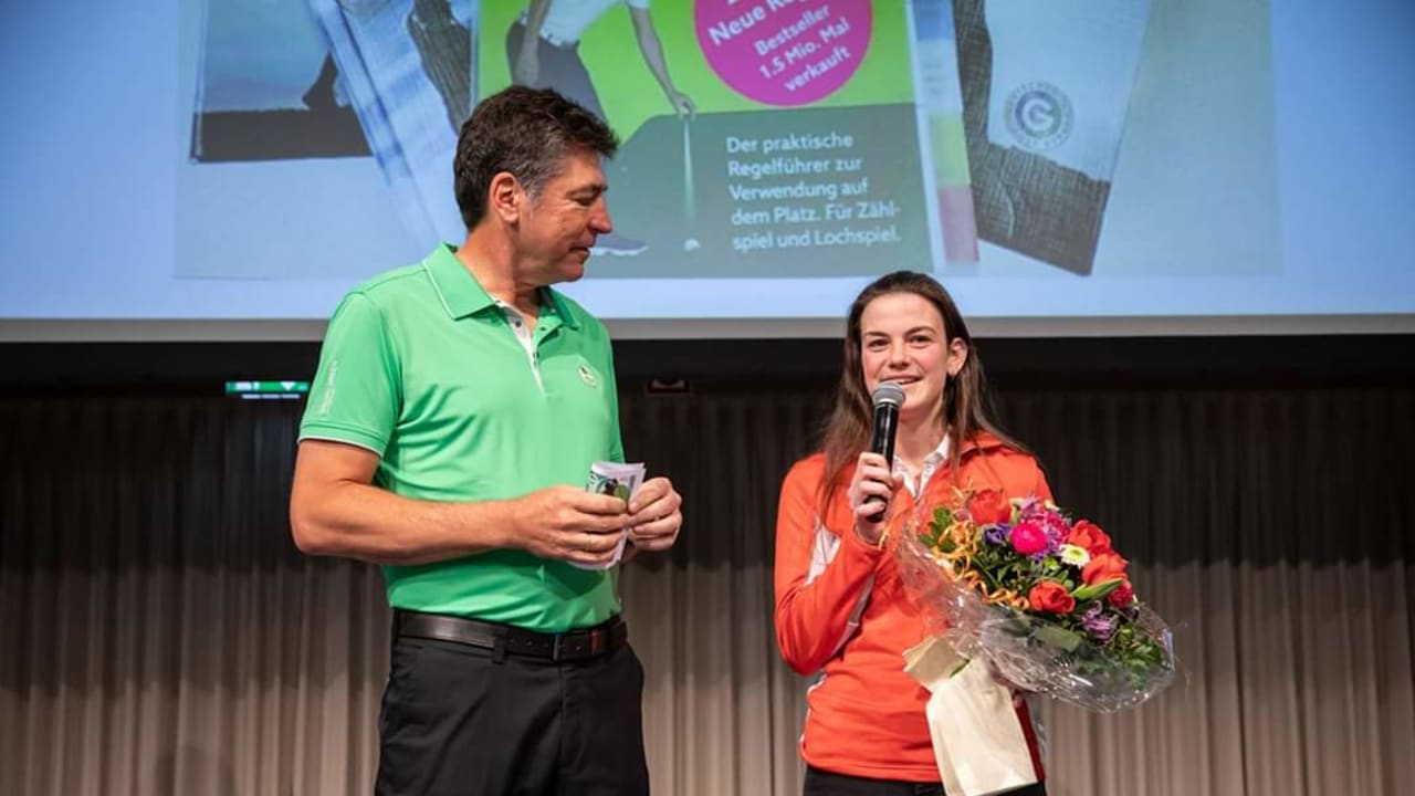 Christiane Stenger vom Goolfclub Haus Bey am Niederrhein besteht die höchste Schiedrichterprüfung. (Foto: GC Haus Bey)