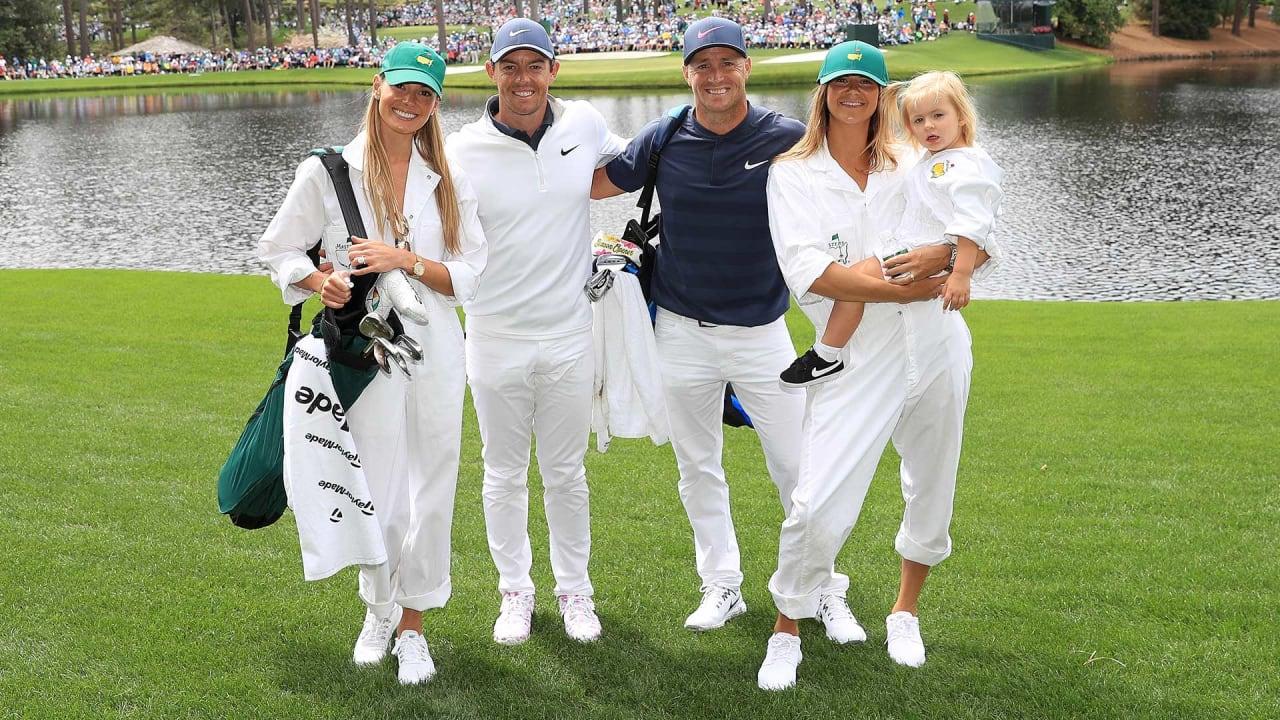 Rory McIlroy (2.v.l.) und Alex Noren (3.v.r.) mit ihren Familien beim Par-3-Contest des US Masters. (Foto: Getty)