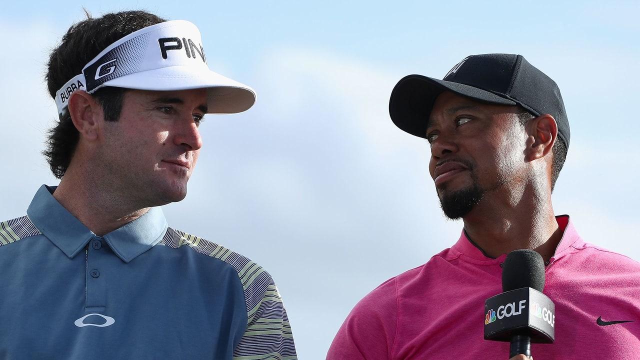 Bubba Watson (l.) veralbert Tiger Woods gern mit sinnfreien WhatsApp-nachrichten. (Foto: Getty)
