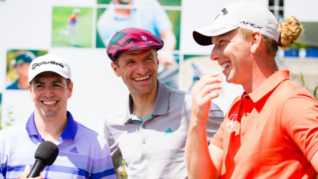 Philipp Lahm, Thomas Müller und Marcel Siem im Vorfeld der BMW International Open 2019. (Foto: BMW Golfsport)