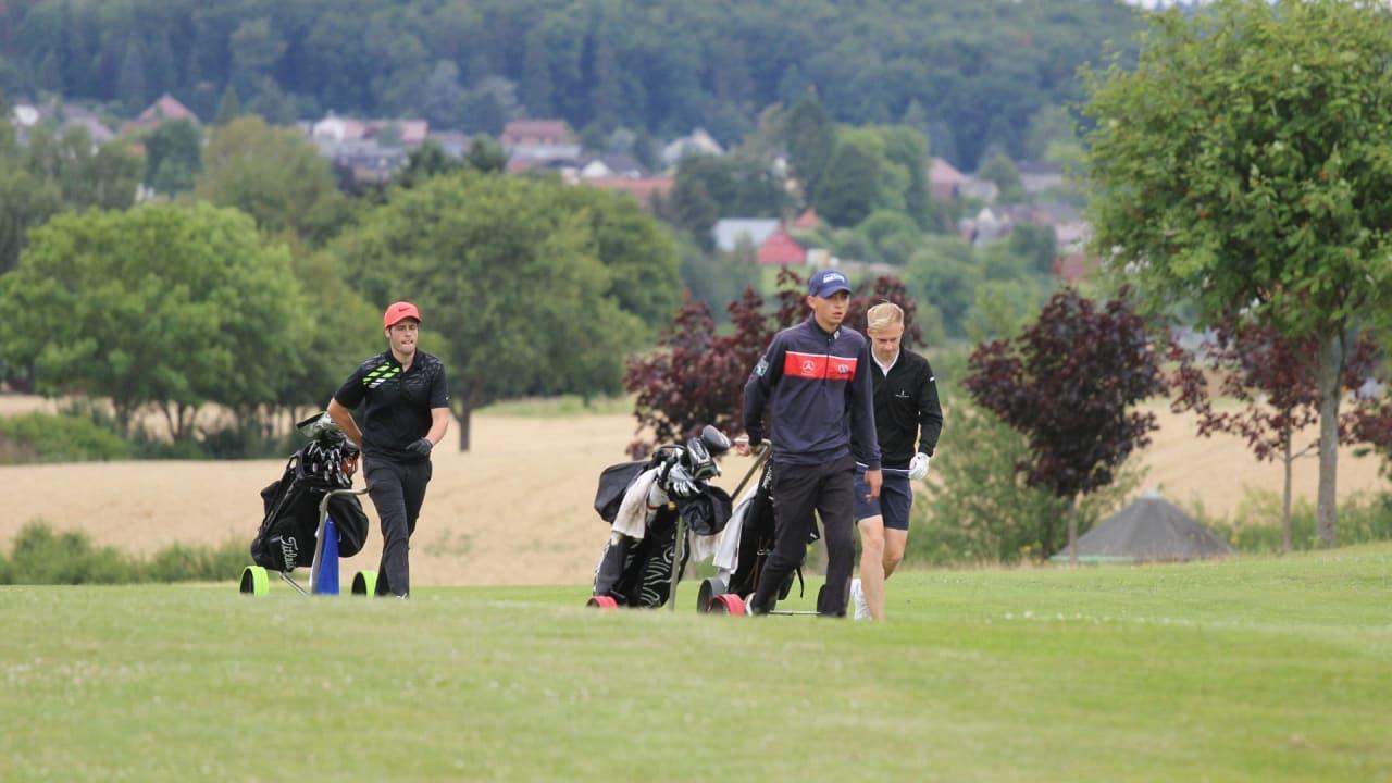 Das Führungstrio nach Tag eins lieferte sich auf den hinteren Neun einen spannenden Kampf. (Foto: Golf Post)