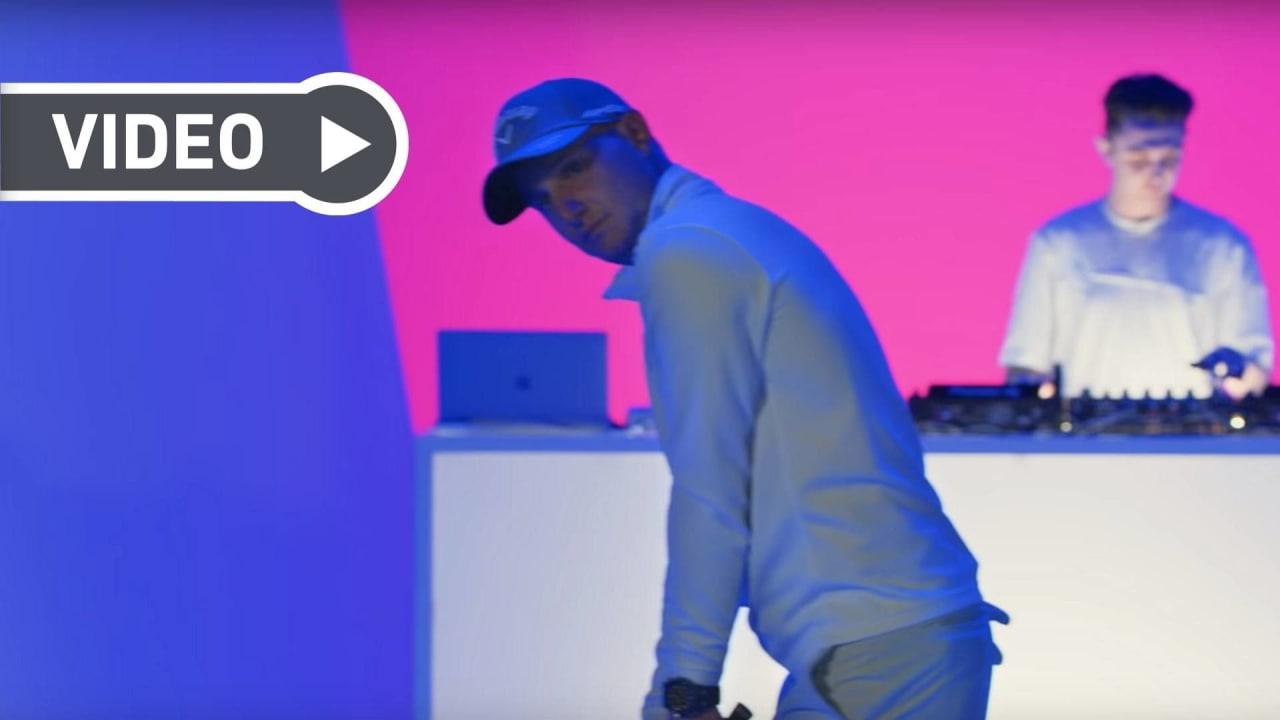 Neun Golfer, ein DJ, ein Song. (Foto: YouTube / Audemars Piquet)