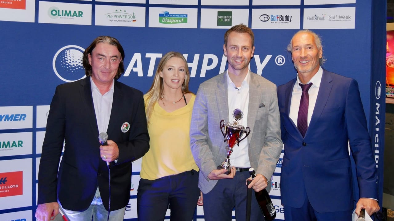 Nach aufregenden Wochen wurde am Donnerstag Abend nach spektakulärer Siegerehrung in der wineBANK Hamburg das offizielle Matchplay Saisonende verkündet. (Foto: Golf Matchplay)