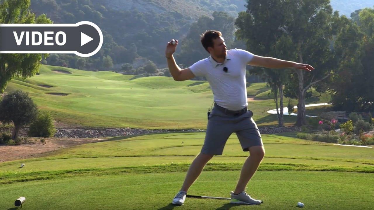 Verbinden Sie Rückschwung und Abschwung mit diesem Step Drill. (Foto: Birdietrain)