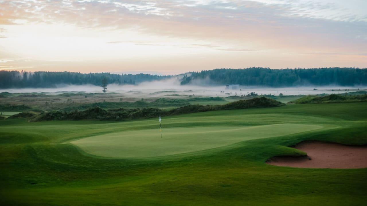 Im Schleier der Natur - Das GORKI Golf & Resort in St. Petersburg. (Bildquelle: Helma Scheffler)