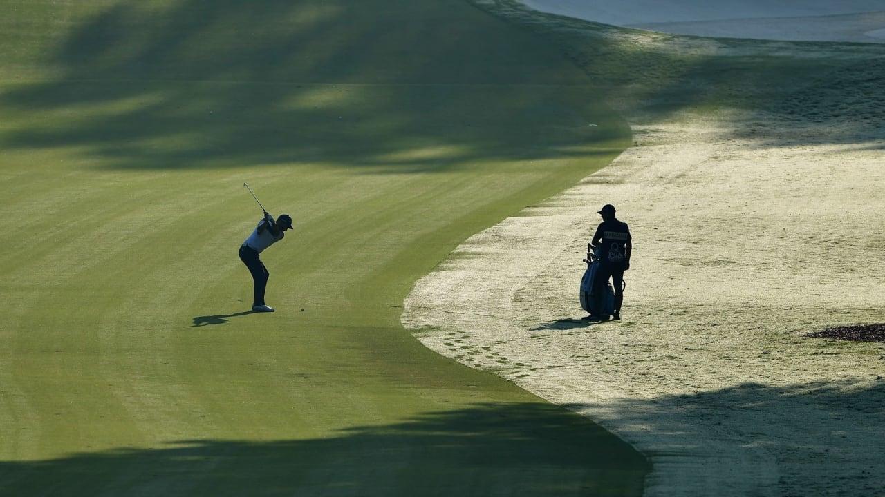 Das Spiel von Licht und Schatten erschwert die Sicht. Ein Blick auf die Golfverbund-Landschaft. (Foto: Getty)