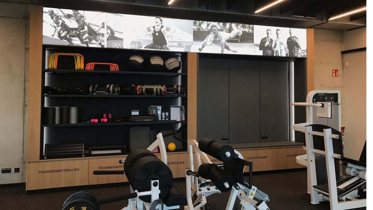 Die Helden und das Ziel immer im Blick im neuen Athletik-Zentrum im GC St. Leon-Rot. (Foto: Golf Post)