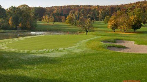 Golfplatz in Königsbach-Stein