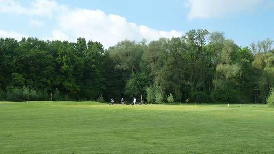 Golfplatz in Neuburg-Heinrichsheim