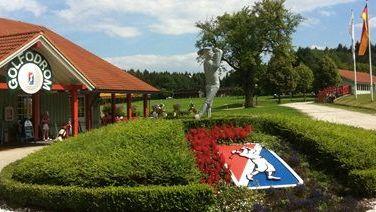 Quellness Golf Resort Bad Griesbach, Golfodrom Holzhäuser