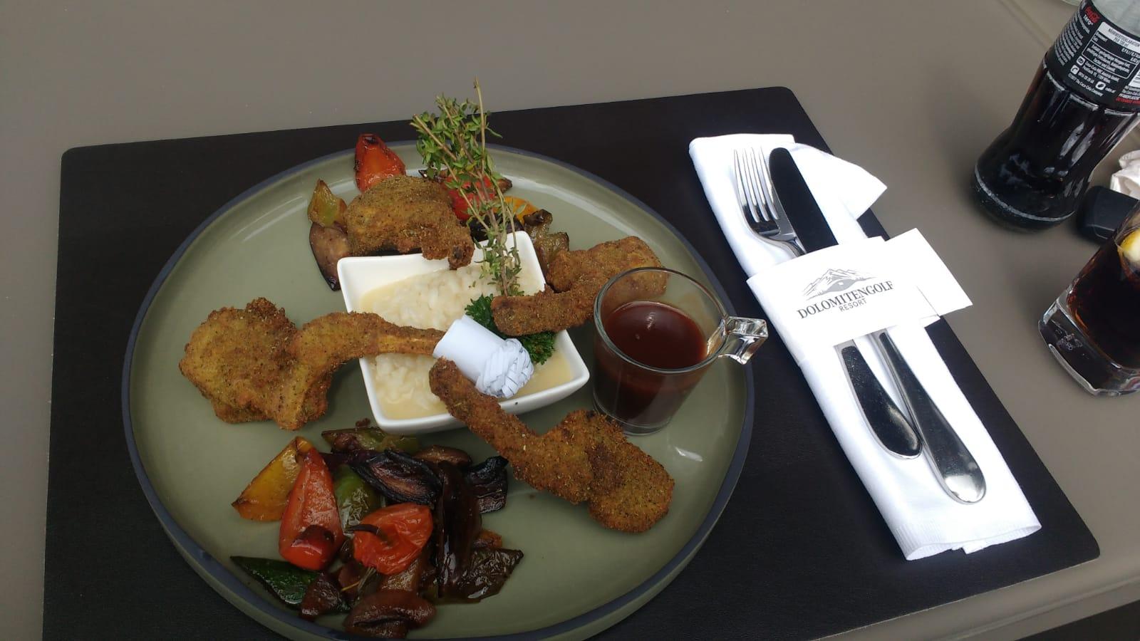Elegant angerichtetes Mittagessen im Clubhaus. (Foto: Golf Post)