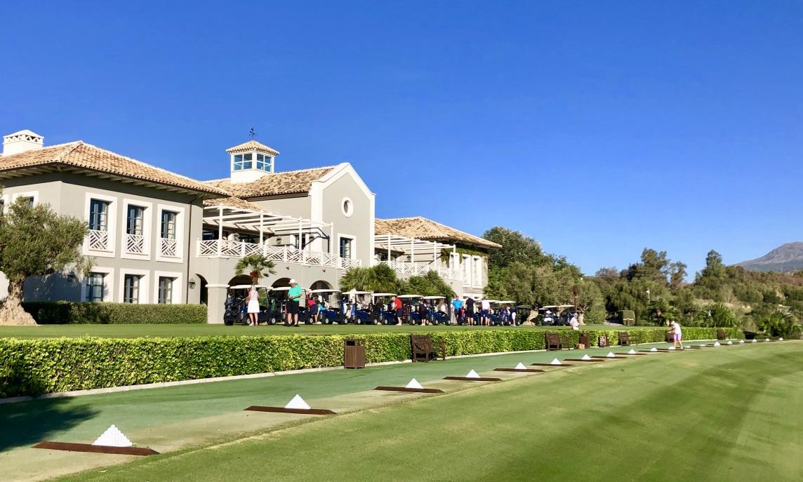 Finca Cortesin Golf Club - Clubhaus und Driving Range. (Foto: Jürgen Linnenbürger)