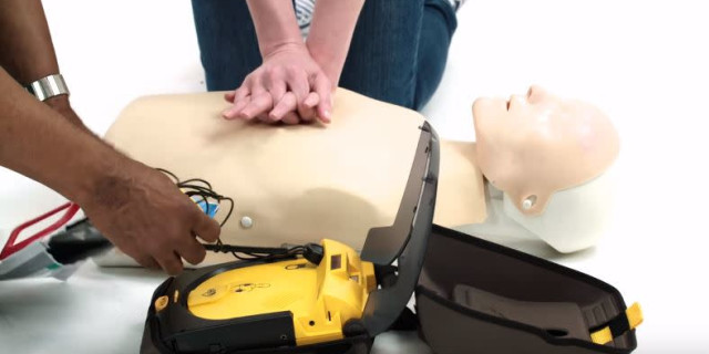 Does Your Golf Club Have a Defibrillator?