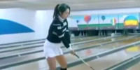 Golfer Achieves Perfect Bowling Strike With Driver!