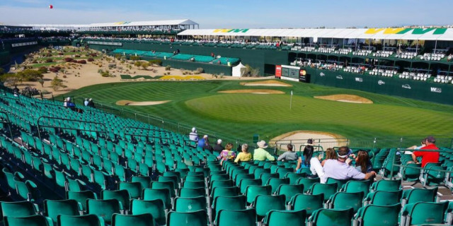 Man charged with streaking at golf's Phoenix Open