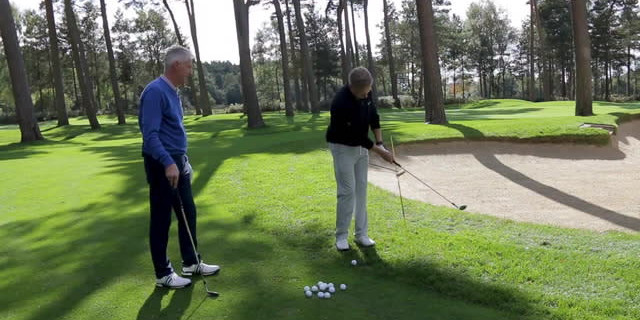 Andrew Murray Chipping Lesson - Alignment stick impact drill
