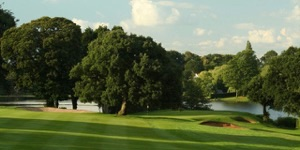 Golf course features and reviews