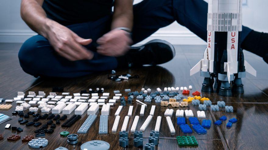 Fusée Elon Musk fabriquée à base de LEGOs