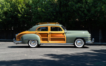 1948-chrysler-town-and-country-sedan-1