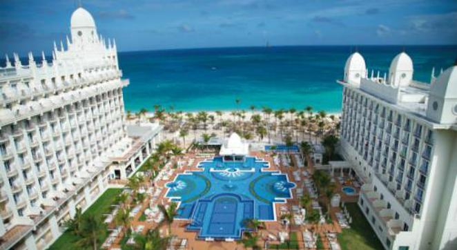 Riu-Hotels_Caribbean-Hotel_Jr.-Suite-at-Luxury-Riu-Aruba-All-Inclusive-Resort