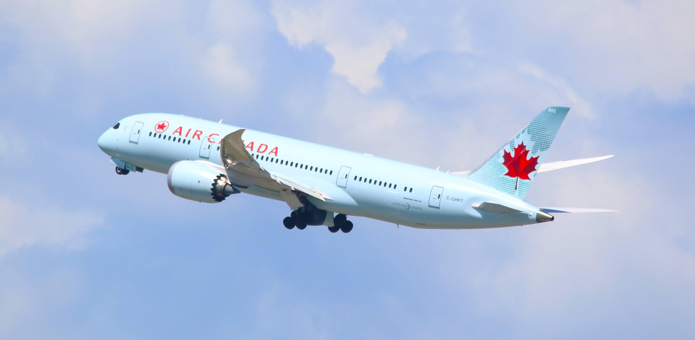 Air-Canada_Flight_Worldwide-Fare-Sale-on-Air-Canada