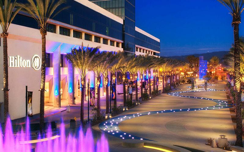 Hilton_Family-&-Theme-Park-Hotel_Hilton-Anaheim-Properties-Discounted-